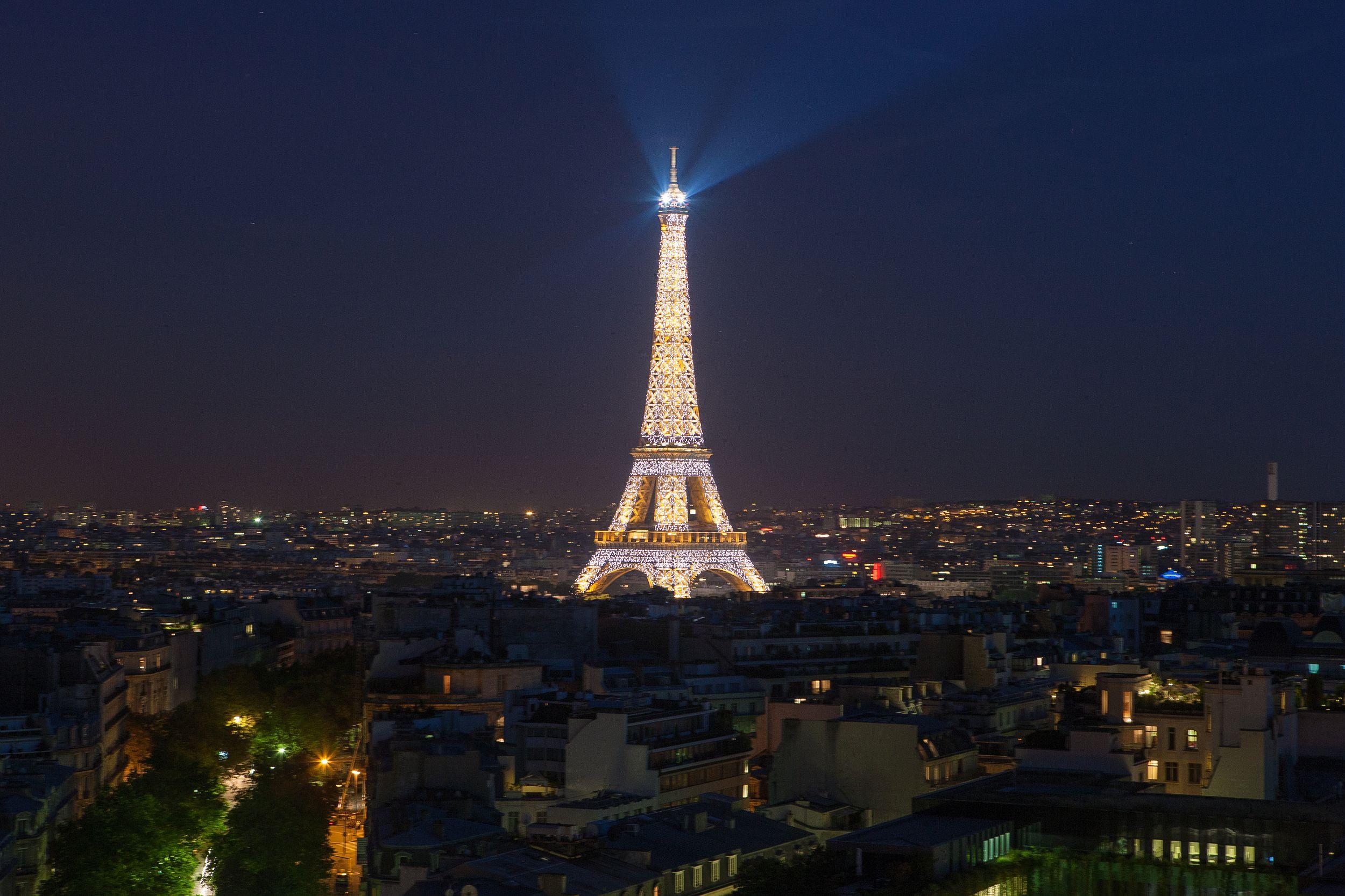 france, région ile de france, paris 8e arrondissement, place charles de gaulle, etoile, au sommet de l'arc de triomphe, panorama,