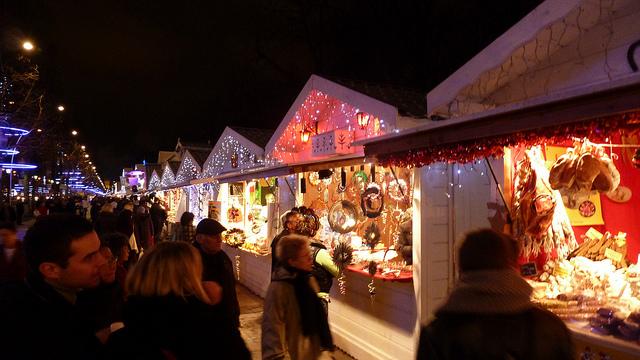 Marché-de-Noel-Champs-Elysees